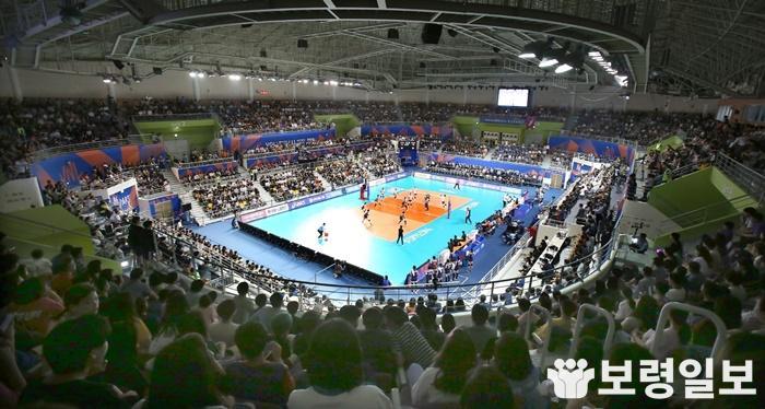 1. FIVB 발리볼네이션리그 여자대회 장면.jpg